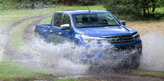 Toyota Hilux wallpaper 2016 | The Car Expert