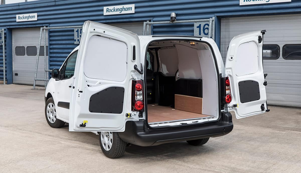 Peugeot Partner electric van - rear load bay