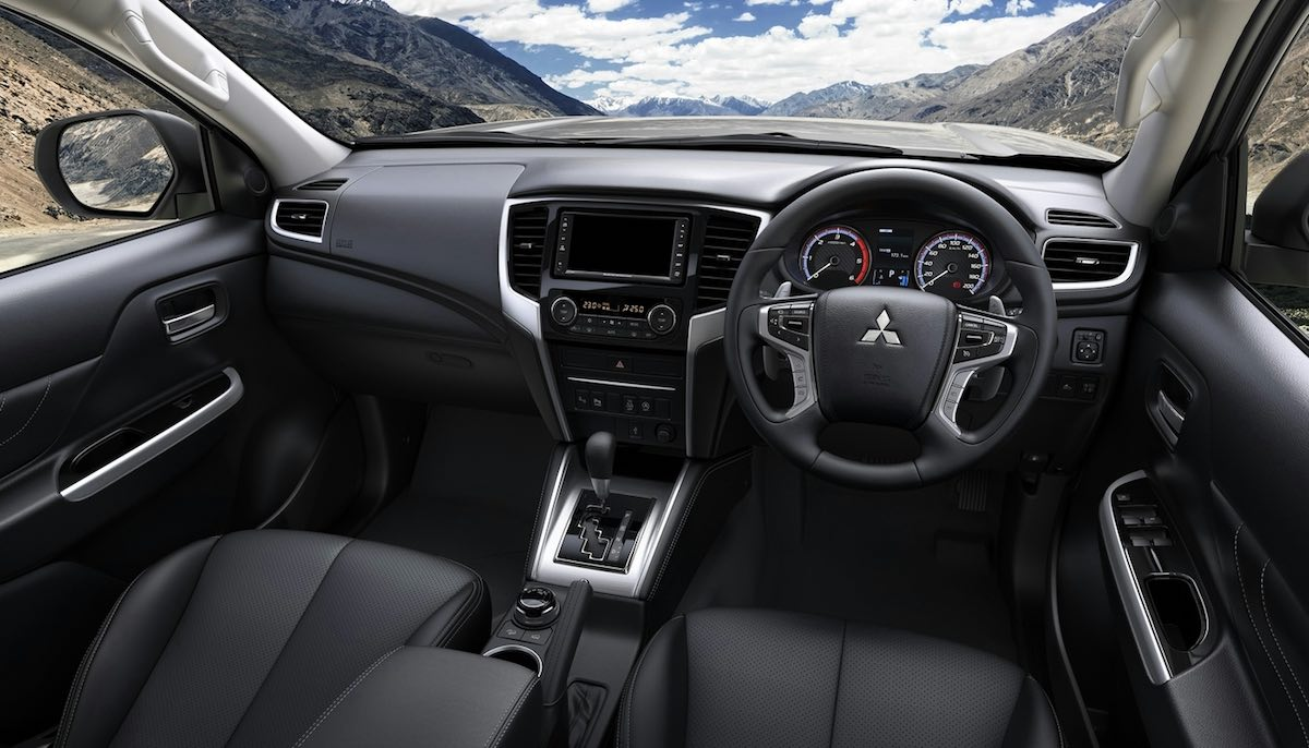 Mitsubishi L200 interior update, November 2018 (The Van Expert)