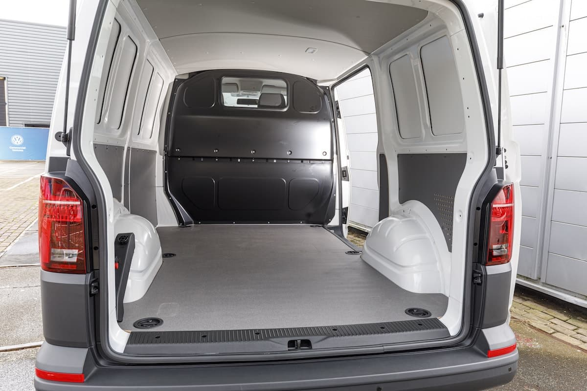 Volkswagen Transporter 6.1 cargo bay | The Van Expert