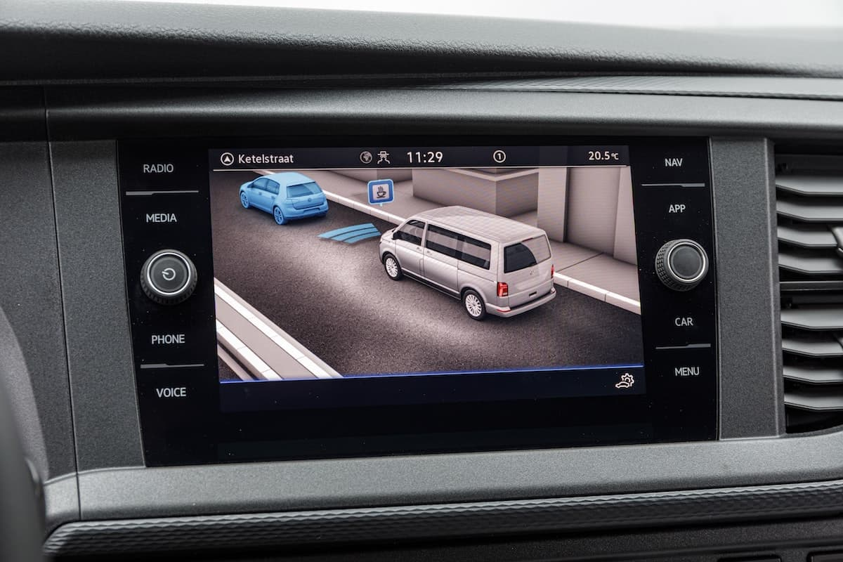 Volkswagen Transporter 6.1 touchscreen | The Van Expert