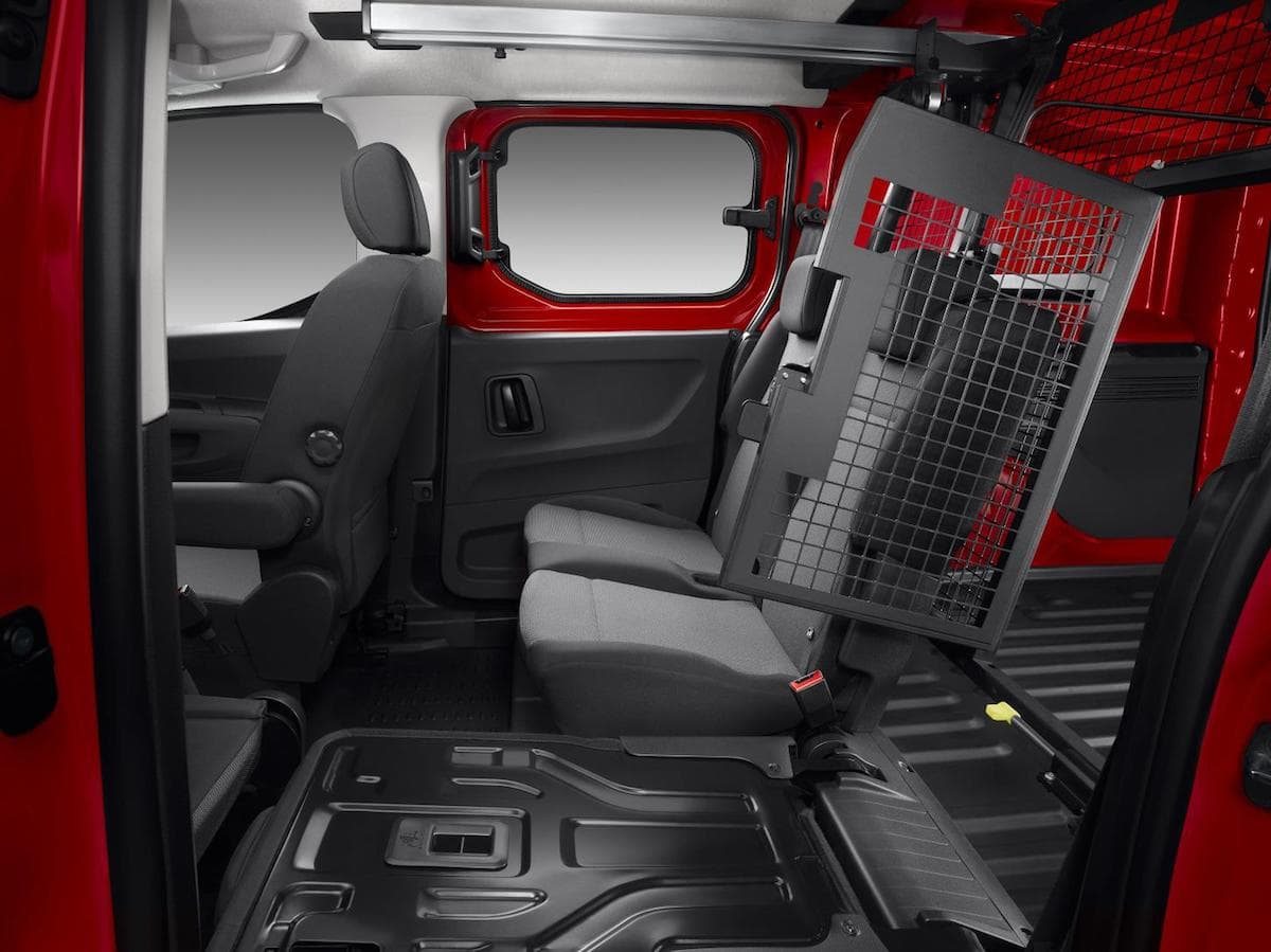 Citroën Berlingo crew van interior | The Van Expert